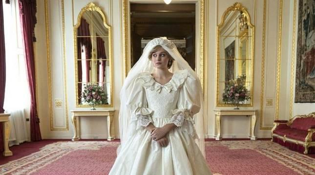 El estilo Lady Di interpretado por Emma Corrin
