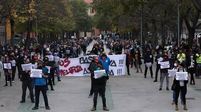Una manifestación reclama en Pamplona un