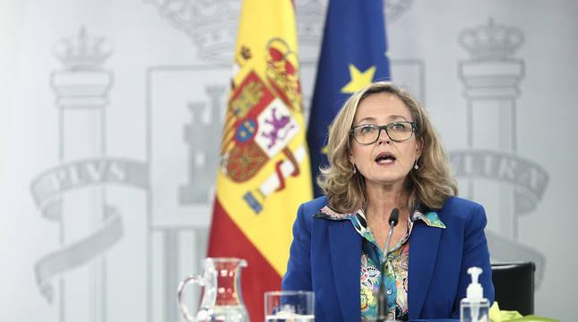 La vicepresidenta y ministra de Asuntos Económicos y Digitalización, Nadia Calviño, comparece en rueda de prensa posterior al Consejo de ministros en Moncloa.