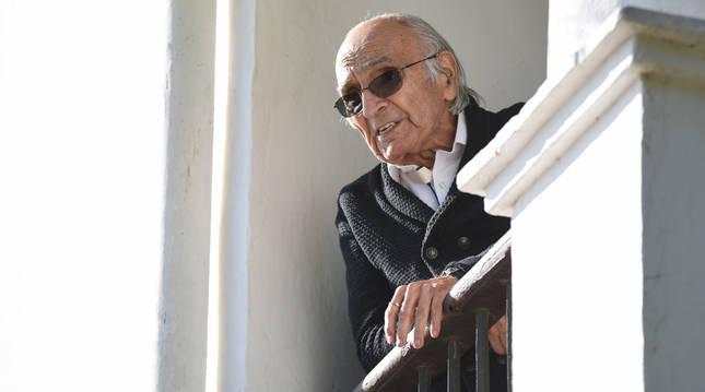 foto de El poeta Francisco Brines celebra en su casa que se le ha otorgado el Premio Cervantes 2019