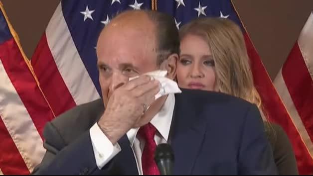 Rudy Giuliani, el abogado de Donald Trump 'suda tinta'