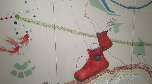 Una de las obras de la exposición 'A pie y mano 2' de Teresa Sabaté y Virginia Santos.