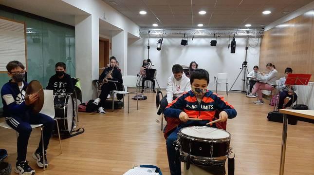 Foto de alumnado de la escuela de música Julián Gayarre (Noáin).