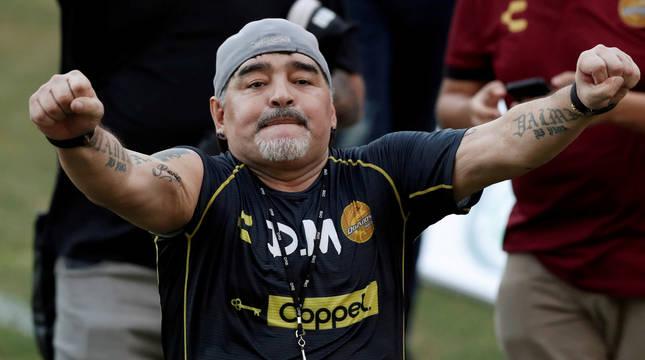 Maradona, durante su etapa como entrenador de los Dorados de Sinaloa.