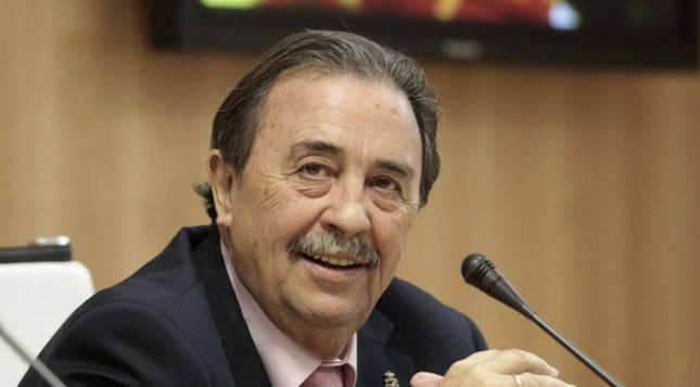foto de El exentrenador nacional y expresidente de la Real Federación Española de Balonmano, Juan de Dios Román.