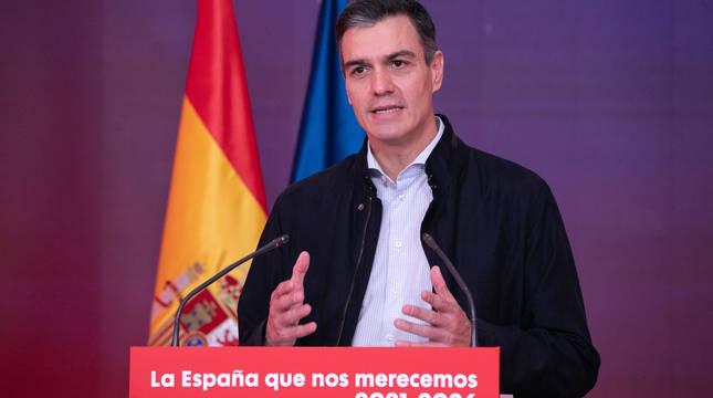 El secretario general del PSOE y presidente del Gobierno, Pedro Sánchez, durante su intervención este sábado en la sede del partido en el acto bajo el lema 'La España que nos merecemos 2021-2026'.