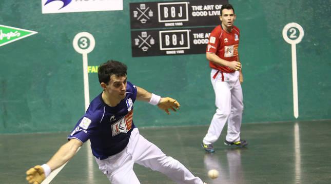 Altuna y Jaka, durante un partido del Campeonato del cuatro y medio