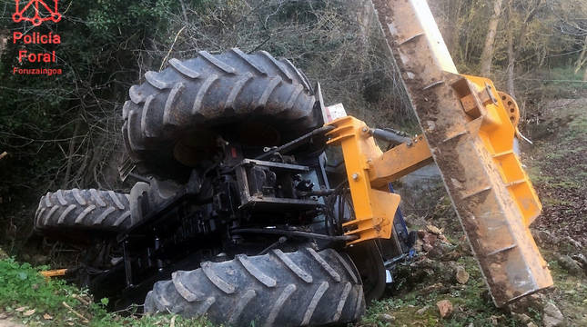Tractor accidentado en Marañón.