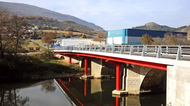 Foto del puente de acceso a Egillor y Beasoain (Valle de Ollo).