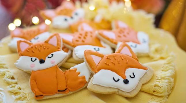 Estas galletas de mantequilla decoradas con glasa son una de las tres recetas de hoy