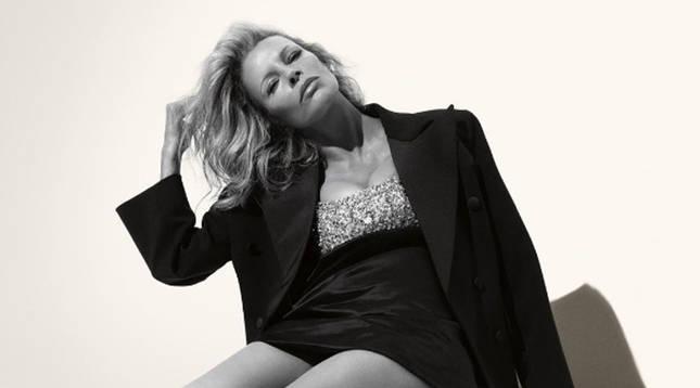 Imagend e la actriz posando en la campaña de Miuccia Prada publicada en su cuenta de Instagram