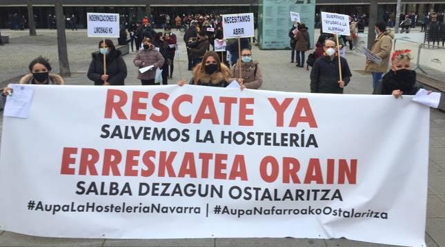 Manifestación convocada en Pamplona por las asociaciones de hostelería.