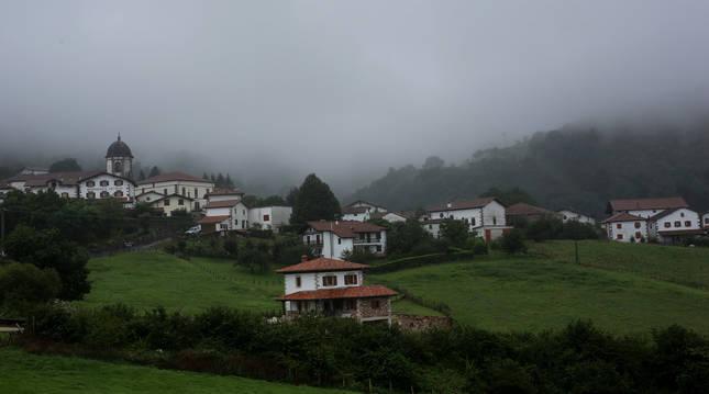 Vista general del pueblo de Zugarramurdi.
