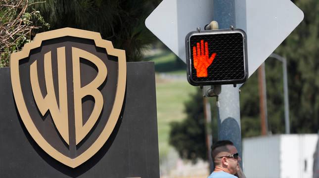 Logo de Warner Bros. en California.