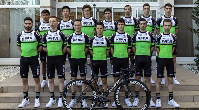 La plantilla del equipo de ciclismo Kern Pharma de la temporada 2020.