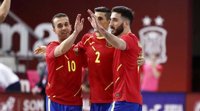 Foto de jugadores de la selección española de fútbol sala en el partido de clasificación para la Eurocopa 2022 ante Letonia.