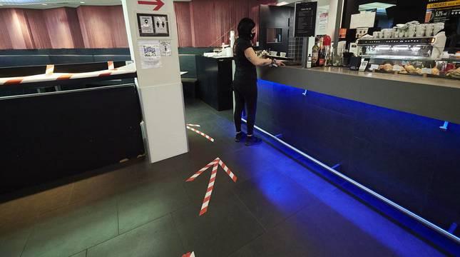 Navarra reabre este jueves el interior de los locales de hostelería con aforo al 30% tras casi dos meses de cierre por las restricciones  del Gobierno de Navarra frente al Covid-19.