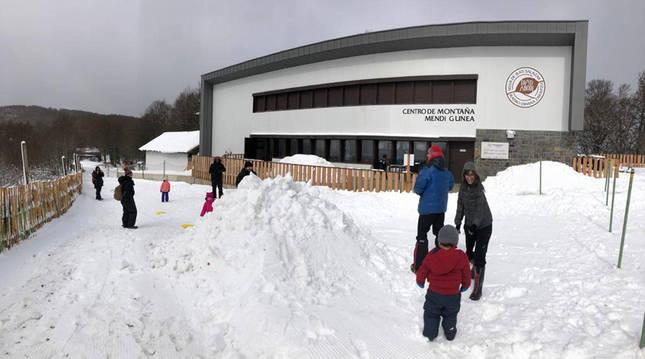 Los centros de esquí de Roncal y Salazar abren este sábado sus pistas
