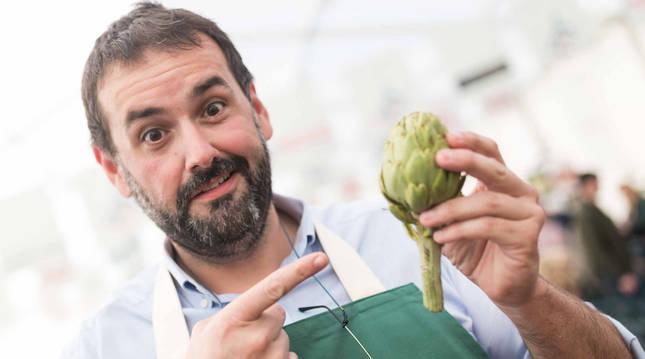 David de Jorge, también conocido como 'Robin Food', en un taller de cocina en Tudela en 2017.