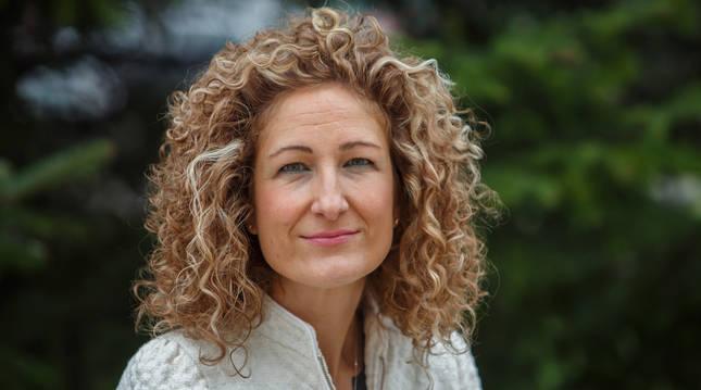 La profesora Cristina García Vivar, en la Facultad de Ciencias de la Salud de la UPNA.