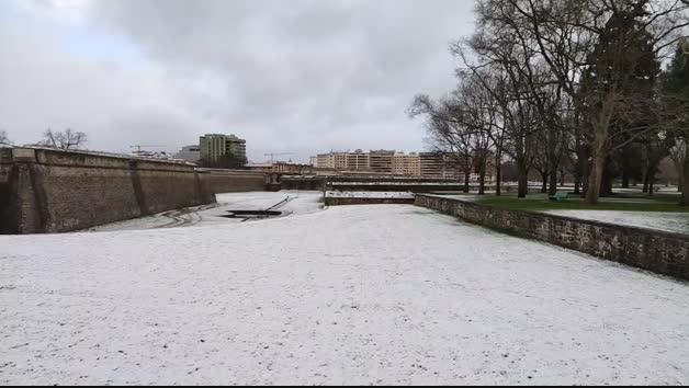 Nieve en la Vuelta del Castillo en Pamplona