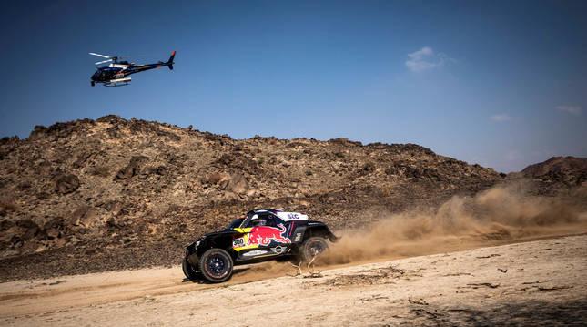 Foto del coche de Carlos Sainz en el Rally Dakar 2020.