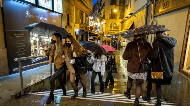 Foto de una calle del centro de Pamplona en la tarde de Nochevieja.