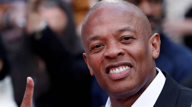Dr. Dre asiste a una ceremonia en Los Ángeles.
