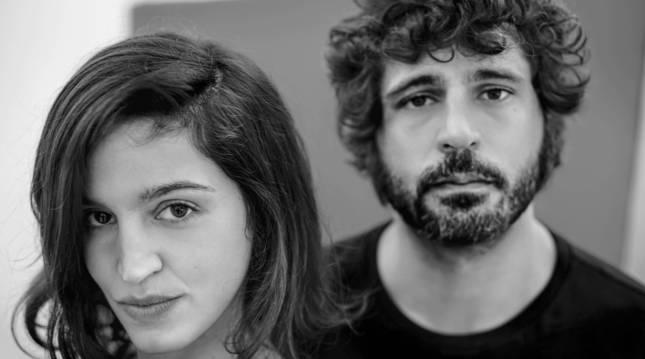 Foto de los artistas María Arnal y Marcel Bagés.