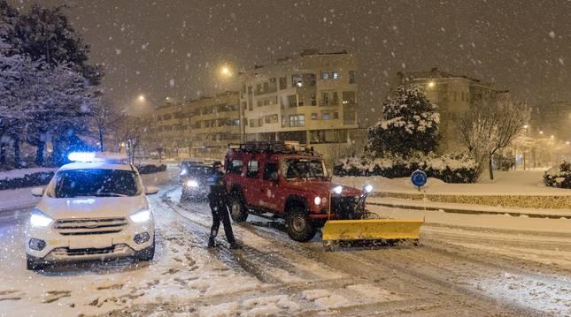 La nieve volvió a caer con fuerza anoche en Tudela, en la imagen, y en localidades de la Ribera y Zona Media.