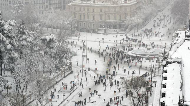 Las calles de Madrid se encuentran colapsadas por las nevadas y han complicado los trabajos de RTVE.