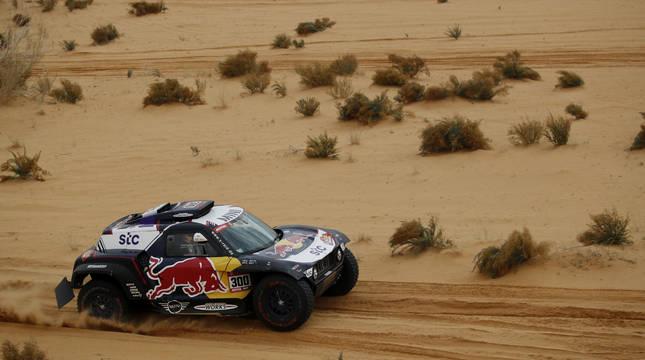 El coche de Carlos Sainz, en el Dakar.