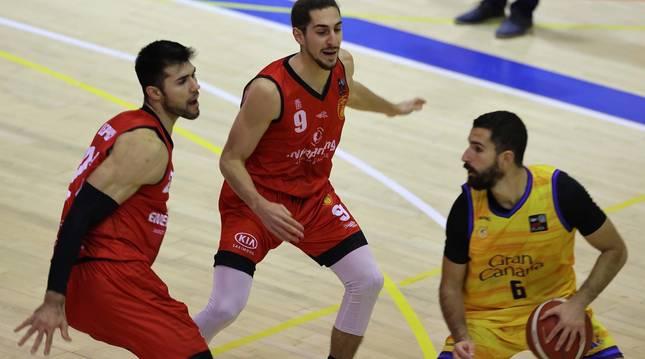 Foto del partido entre Basket Navarra y Gran Canaria de LEB Plata.
