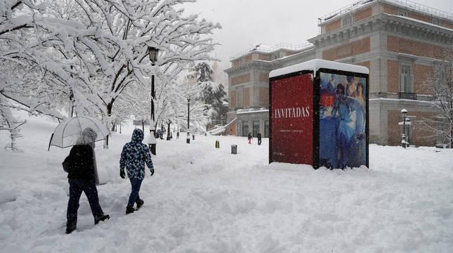 Imagen de la entrada al Museo del Prado, en Madrid, este domingo cerrado por el temporal Filomena.