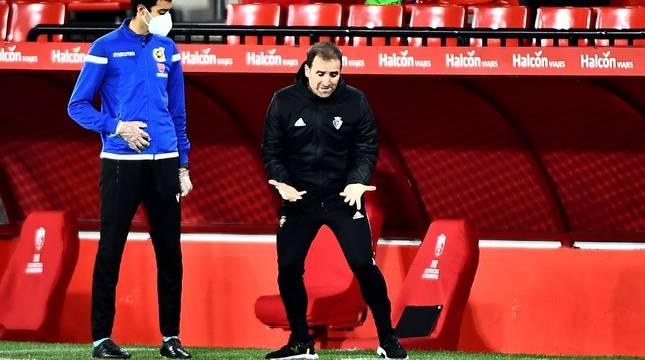 El entrenador de Osasuna, Jagoba Arrasate, en el partido contra el Granada.