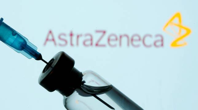 AstraZeneca y Oxford piden a la EMA evaluar uso de su vacuna en la UE