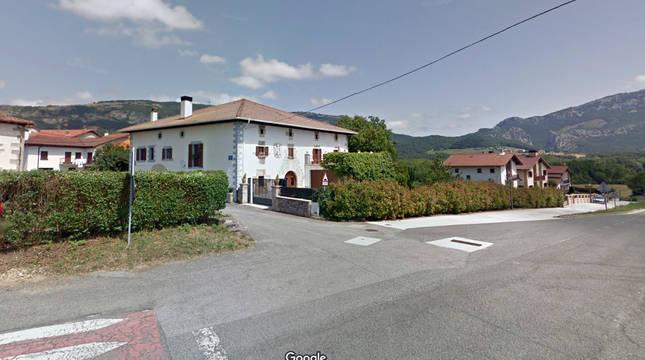 Cuatro intoxicados por inhalación del CO procedente de un brasero en una vivienda de Etxarren (Arakil)