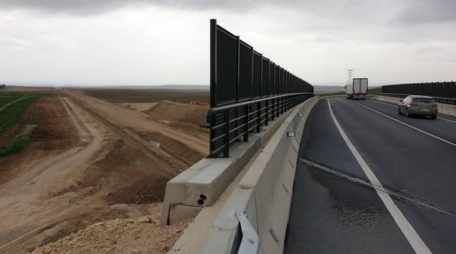Nuevo puente de la carretera N115 sobre el trazado del TAP.