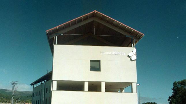Exterior de la residencia de Erro.