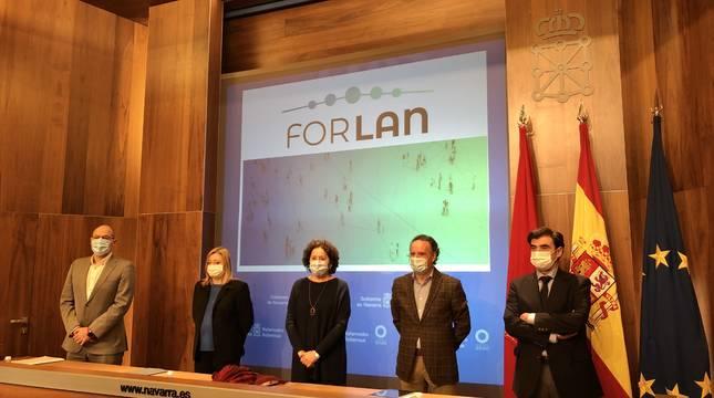 Socios del proyecto: Emilio Lezana (FLC), Miriam Martón (SNE-NL), consejera Maeztu, Tomás Rodríguez (DG Educación) e Ignacio Ugalde (ANEL).