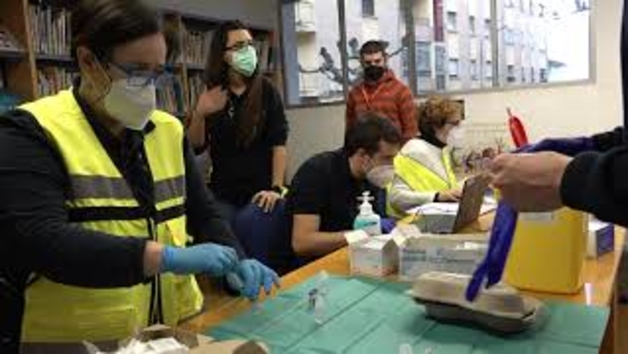 Vacunaciones a profesionales sociosanitarios y dependientes en Navarra