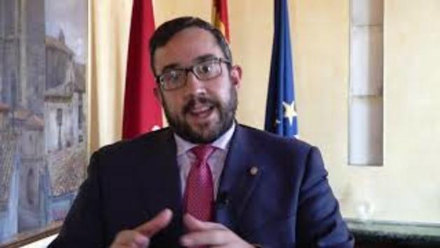 Remírez valora el auto del TSJN que anula la prohibición de fumar en las terrazas