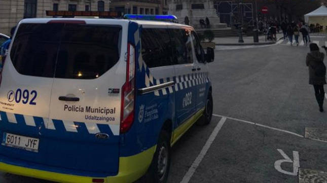 Foto de un vehículo de la Policía Municipal de Pamplona.