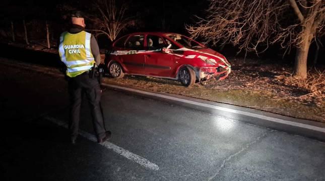 Herida una conductora en Lerín tras esquivar un animal en la carretera