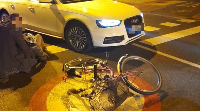 Herida grave una ciclista en un accidente en Mendillorri (Pamplona).