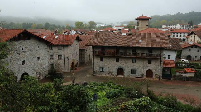 Imagen obtenida del centro de Lekunberri desde el promontorio elevado en sus inmediaciones.