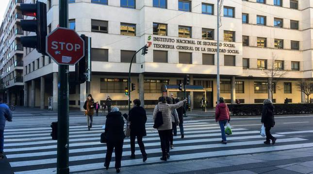 Edificio de la Tesorería de la Seguridad Social en Pamplona.