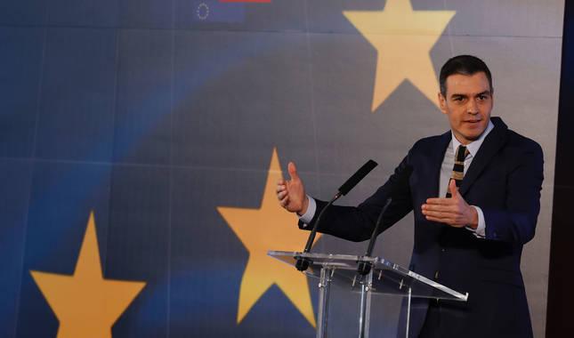 Foto de Pedro Sánchez en la rueda de prensa posterior a la reunión con el presidente de Aragón.