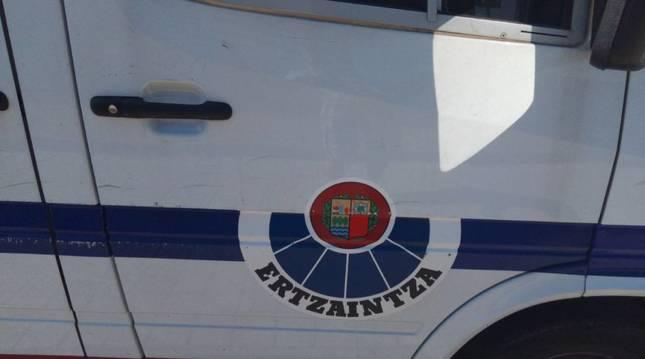 Un coche patrulla de la Ertzaintza.