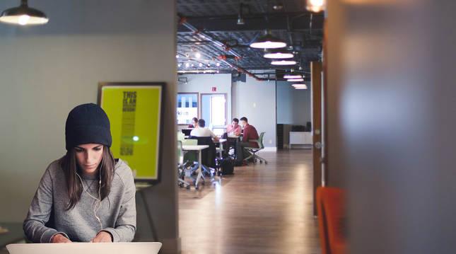 Los millennials acceden al trabajo pensando que es algo temporal, porque el empleo para siempre se acabó